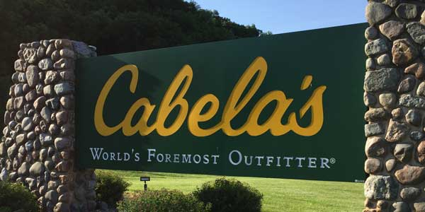 Cabela's Outfitters sign